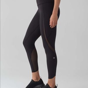 Lululemon Size 4 Pace Perfect Tight in Black